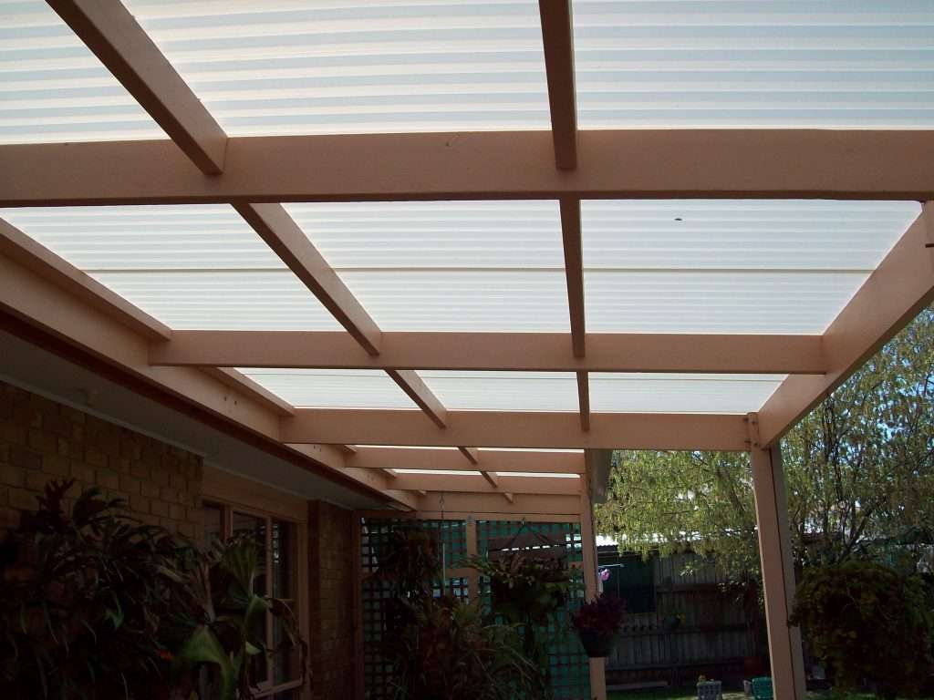 Flat Roof Timber Veranda with Polycarbonate Roofing (3)