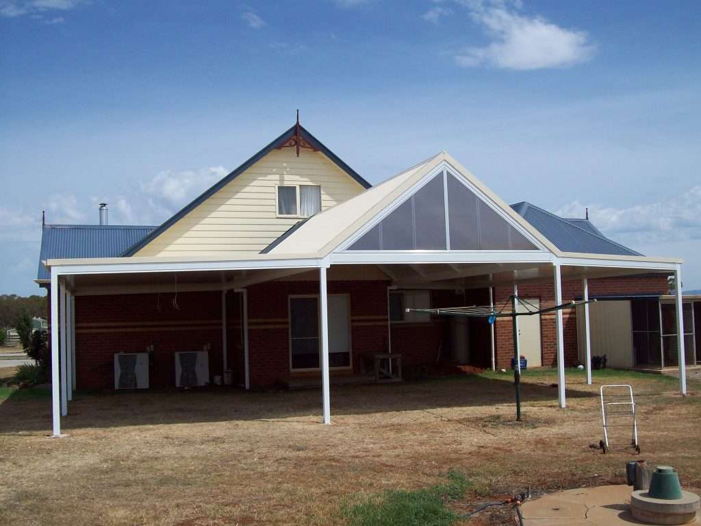 Gable Colorbond Steel Veranda with Solarspan Insulated Roofing (11)